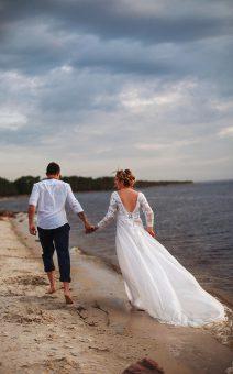 белое платье с большим шлейфом для фотосессии киев