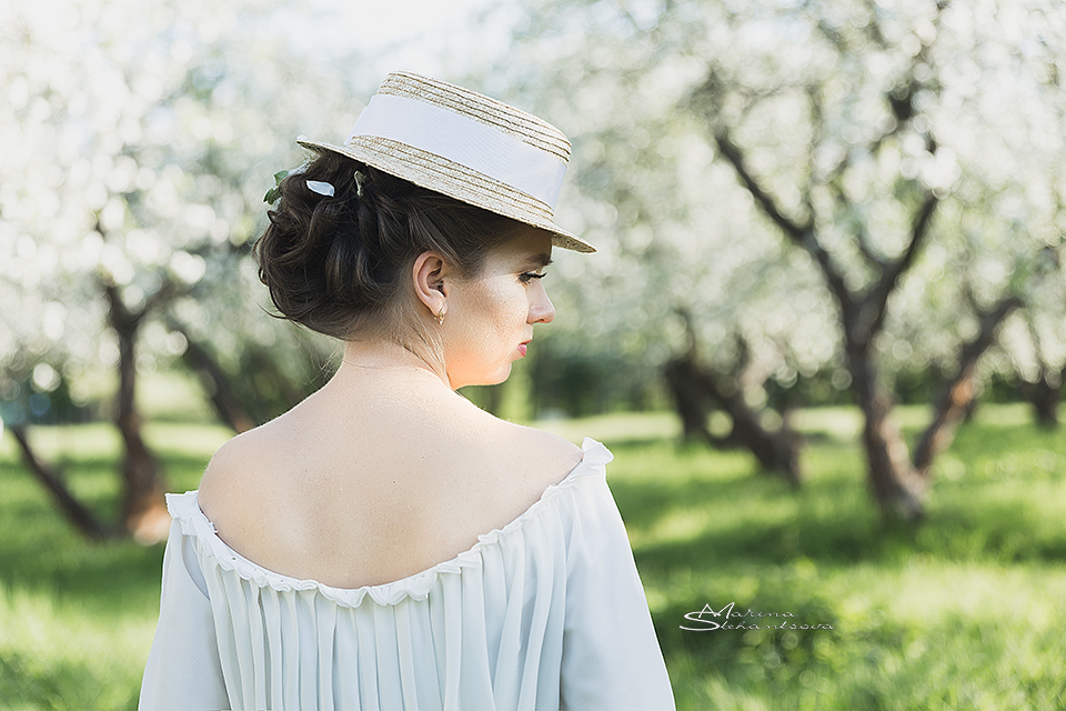 белое платье с рукавами в стиле прованс для фотосессии