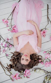 нежно розовое платье для беременных прокат киев