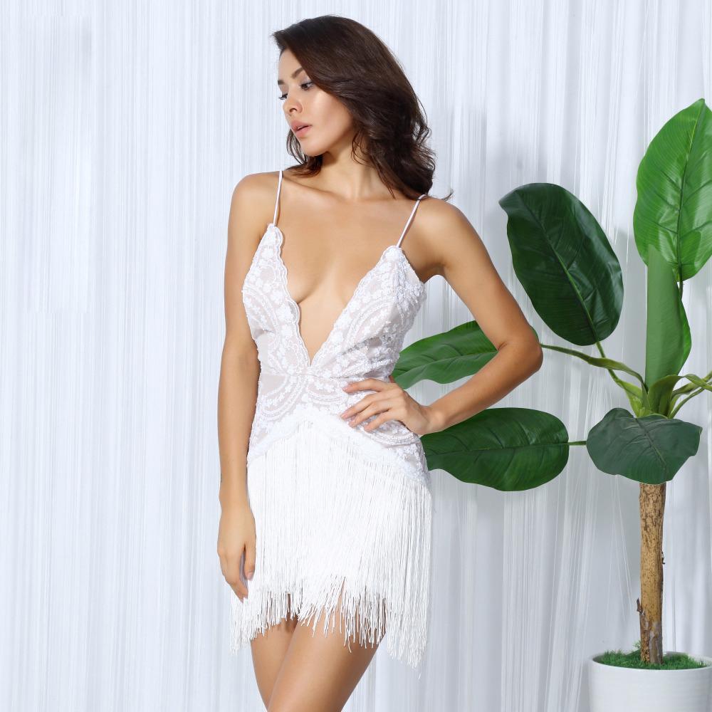 Платье с большим декольте