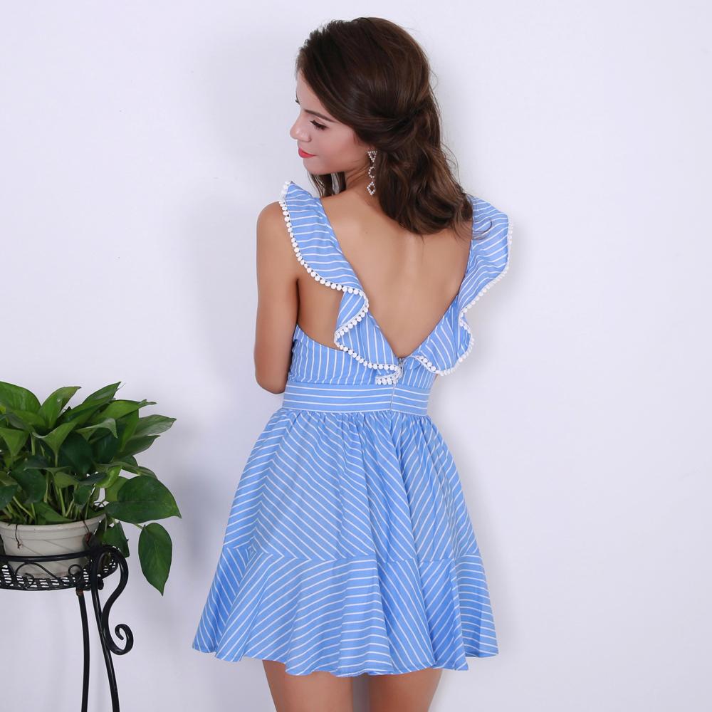 Короткое платье со спины