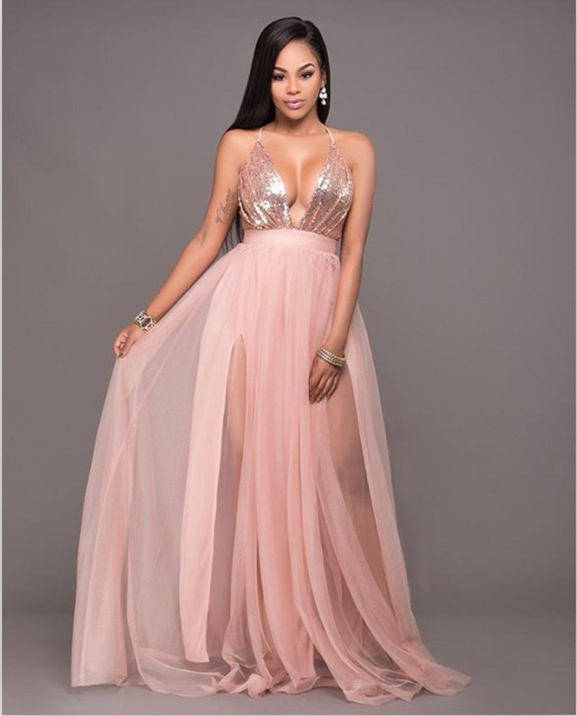 Персиковое платье в пол с декольте