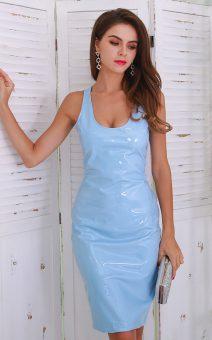 Короткое латекстное платье