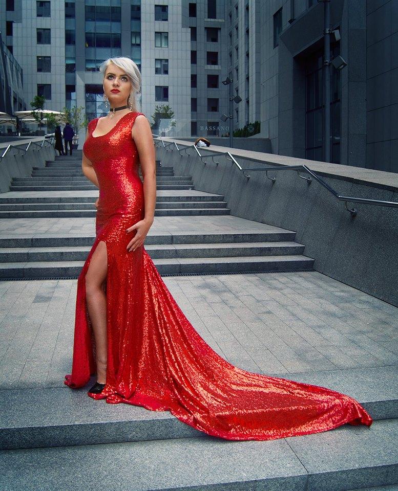 Красное платье с боковым разрезом киев пайетки