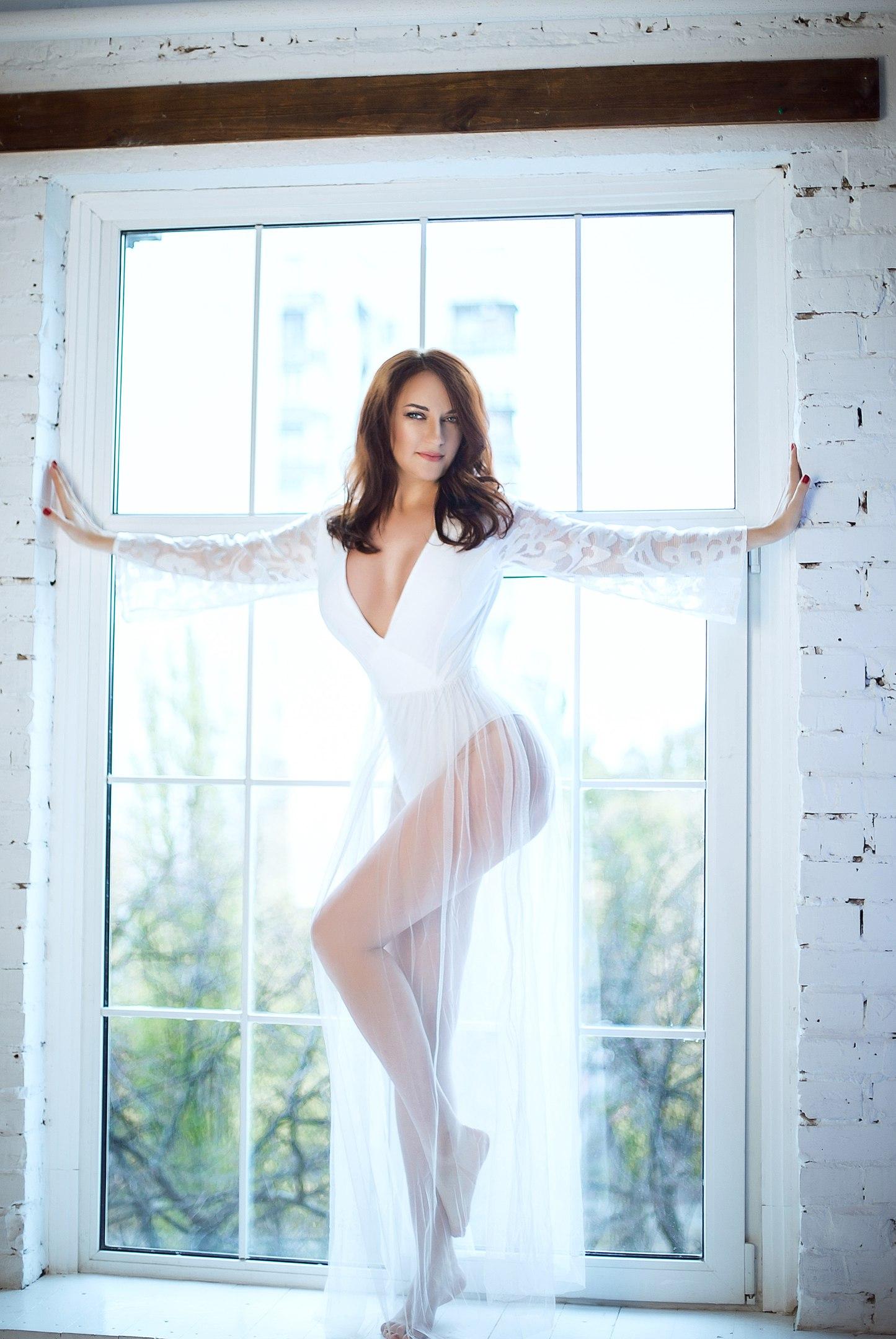 Белое воздушное платье прокат киев