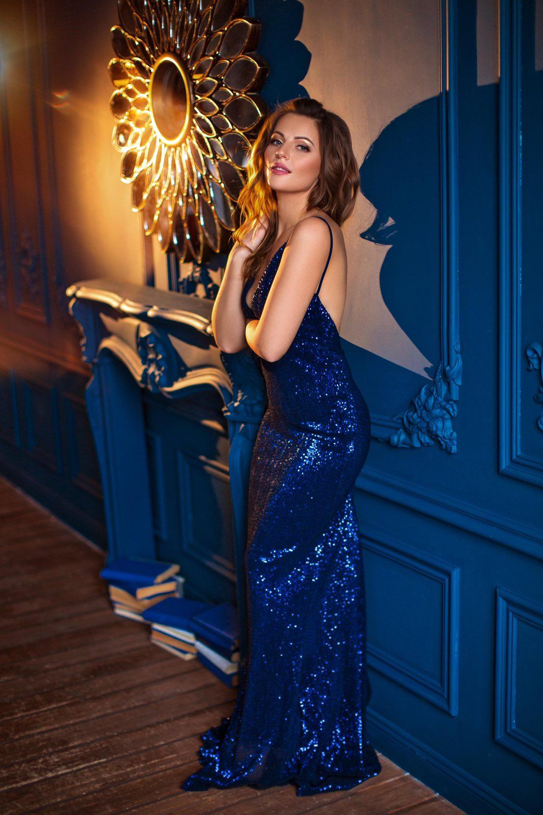 Синее блестящее платье прокат киев