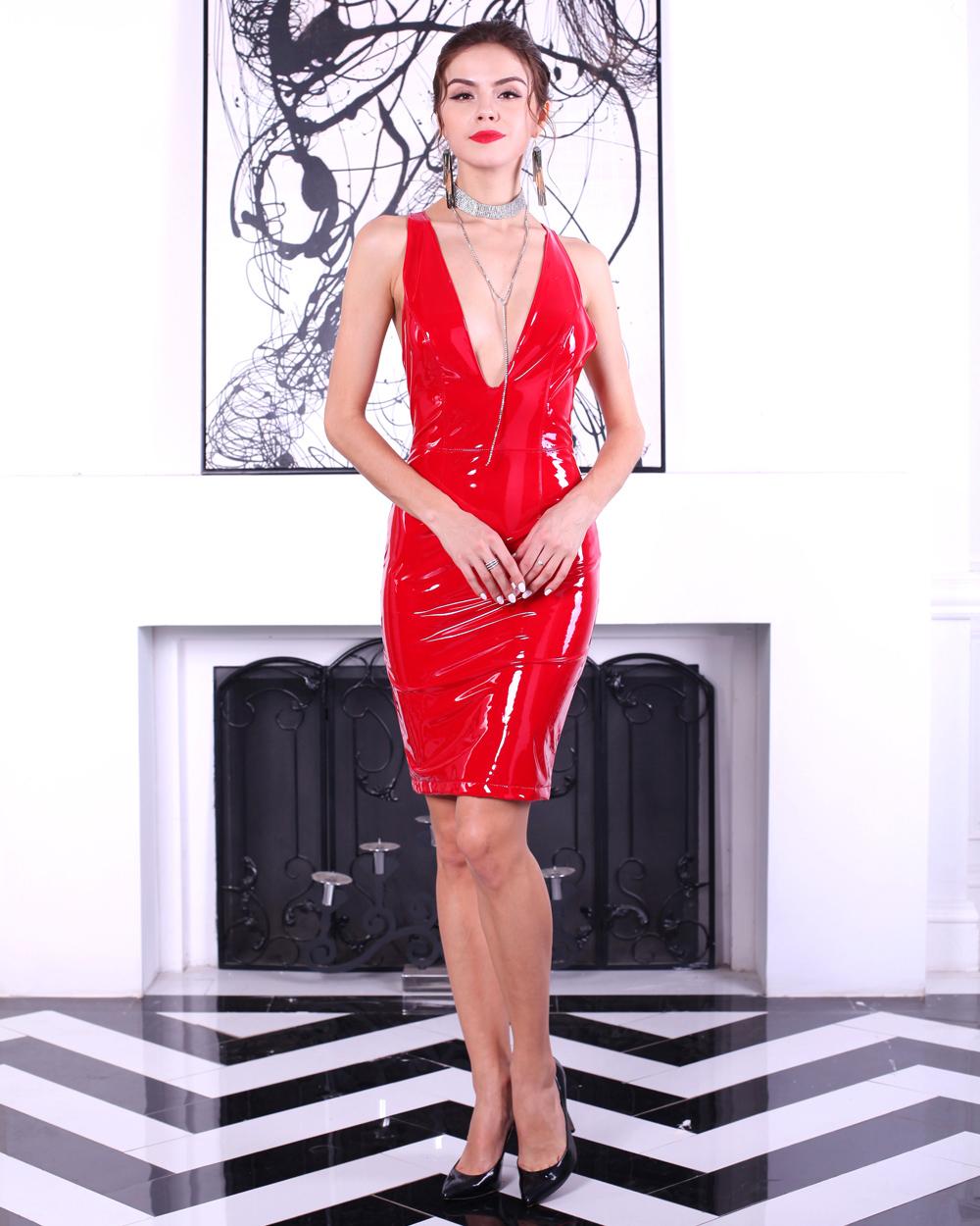Красный латекс платье