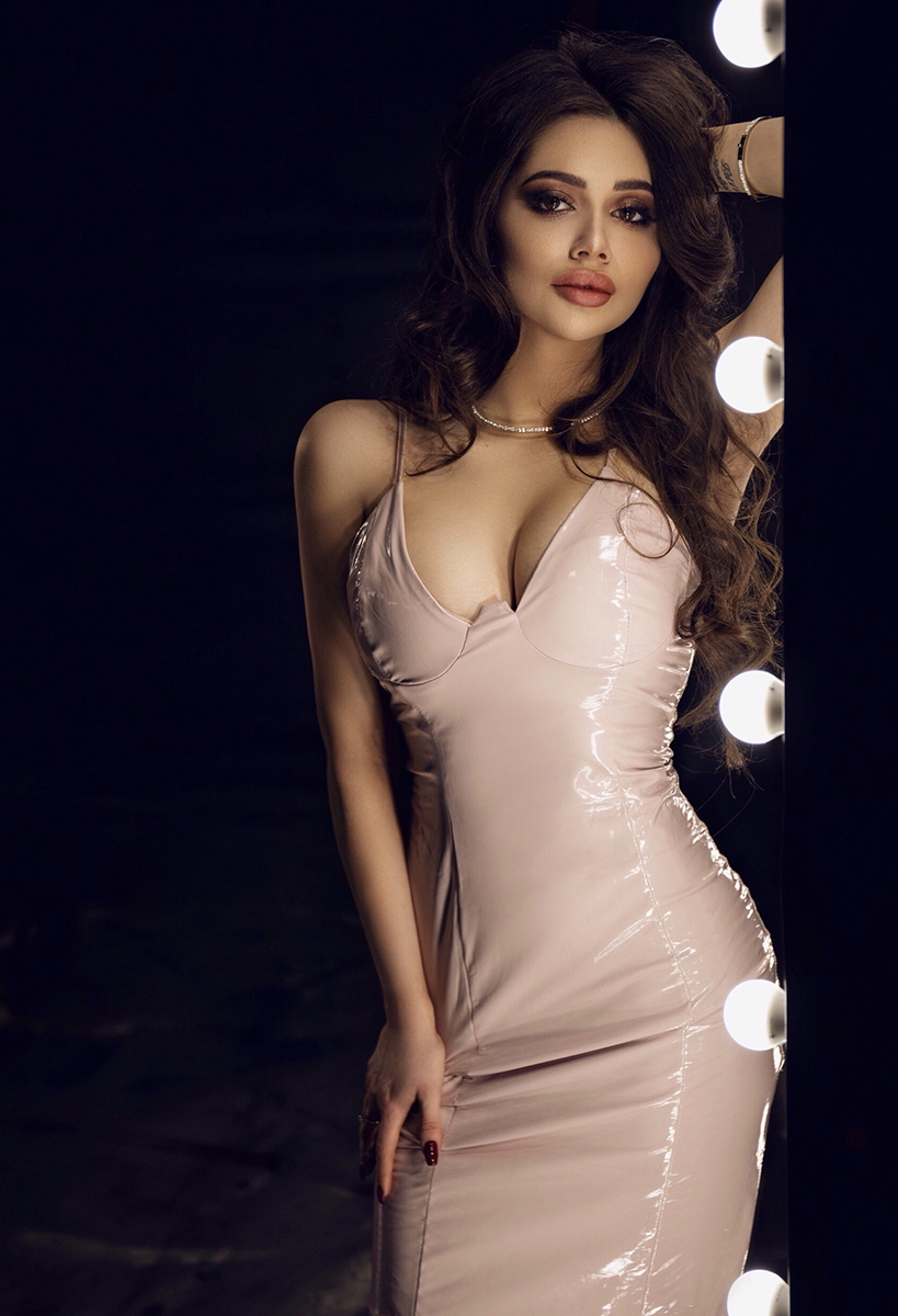 нюдовое латексное платье аренда на вечер киев
