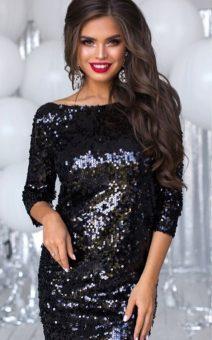 чёрное короткое платье в пайетках с длинным рукавом