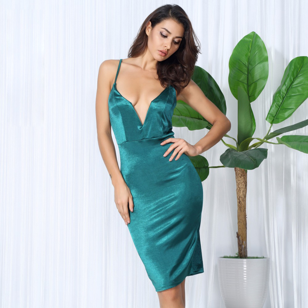 Прокат короткого платья с глубоким декольте киев борщаговка