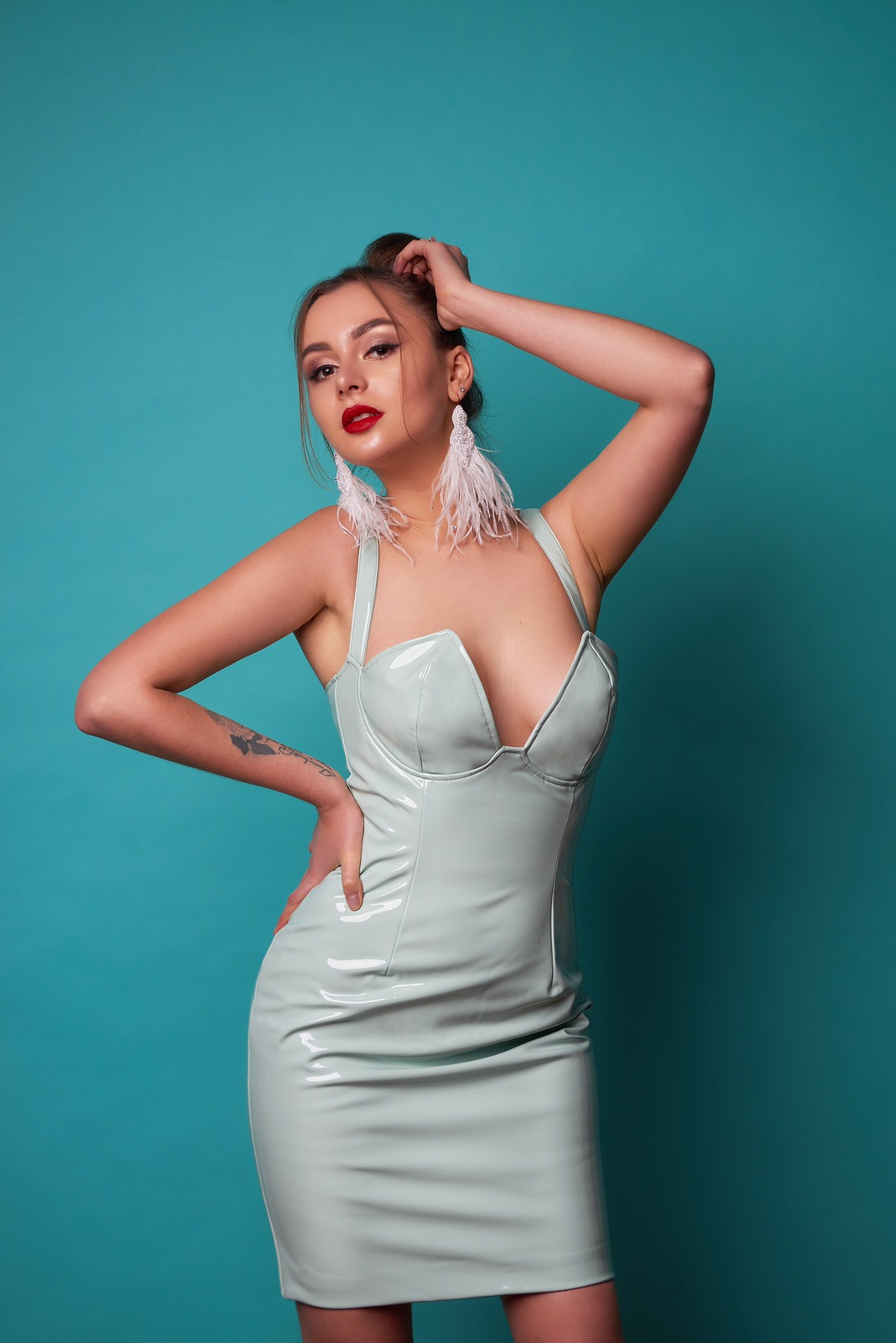 латексное платье мятного цвета киев