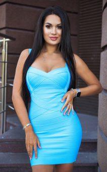 Голубое бандажное платье