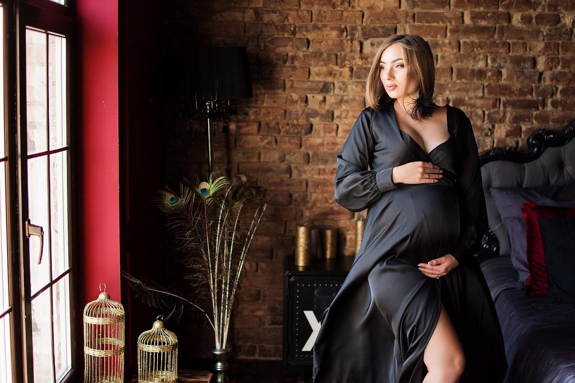 черное платье с рукавами для беременной на фотосессию киев прокат