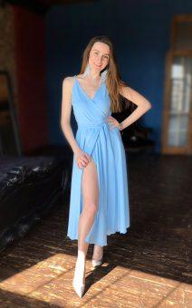 голубое платье миди на бретелях киев