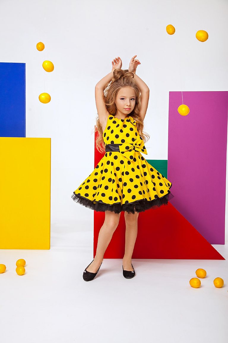 Детское платье стиляги желтое