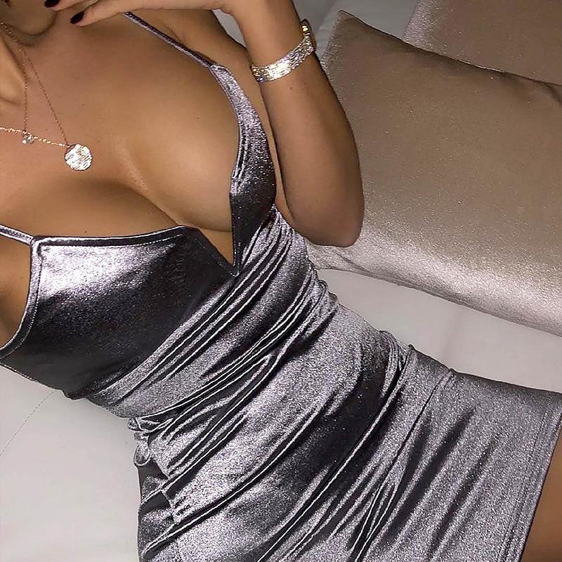 Короткое серебрянное платье прокат киев