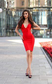 красное бандажное платье с декольте киев прокат продам