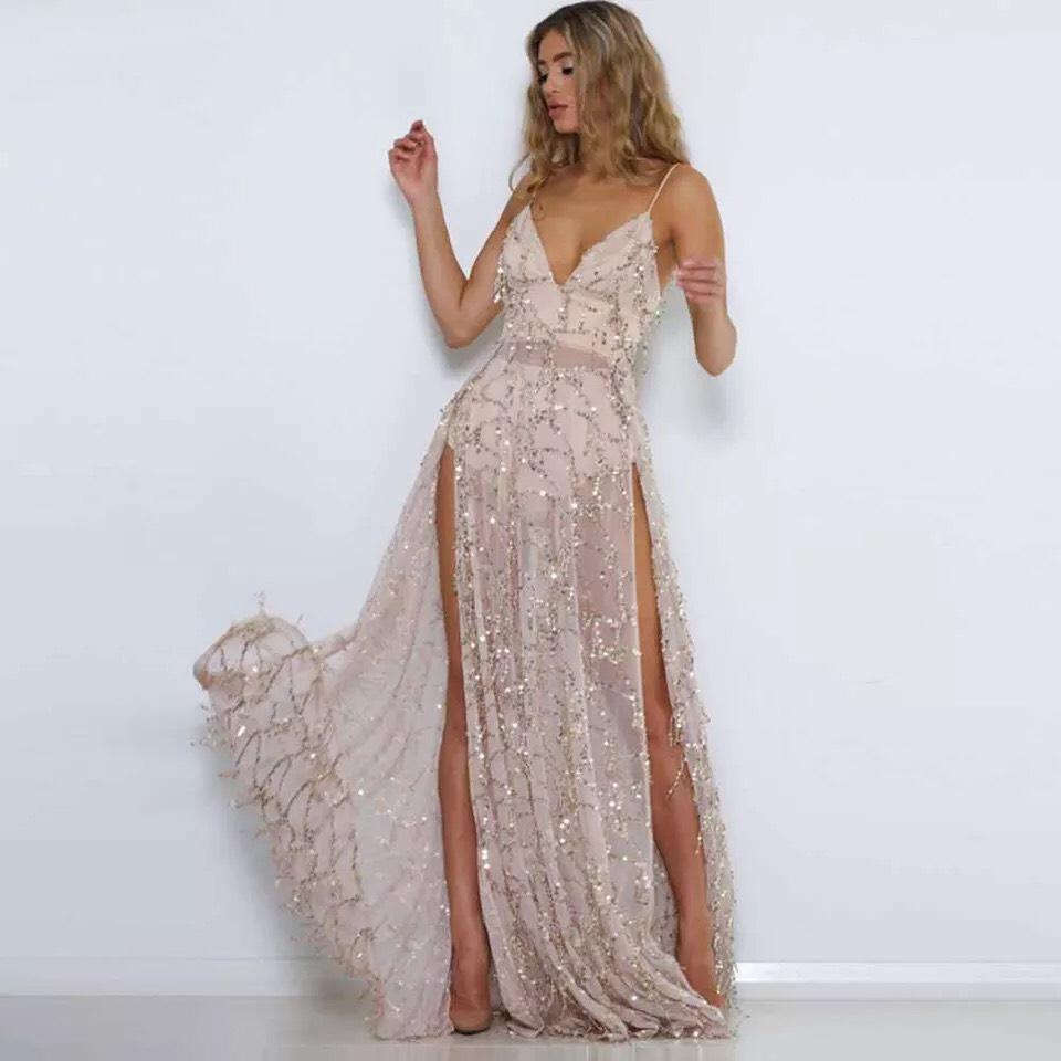 золотое платье с боковым разрезом