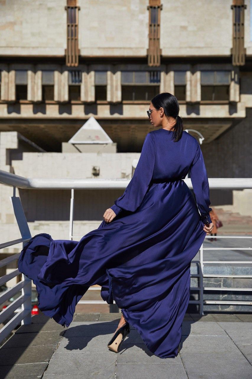 синее шелковое платье в пол с рукавами киев
