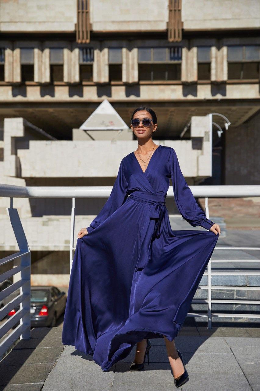 синее шелковое платье в пол с рукавами киев прокат