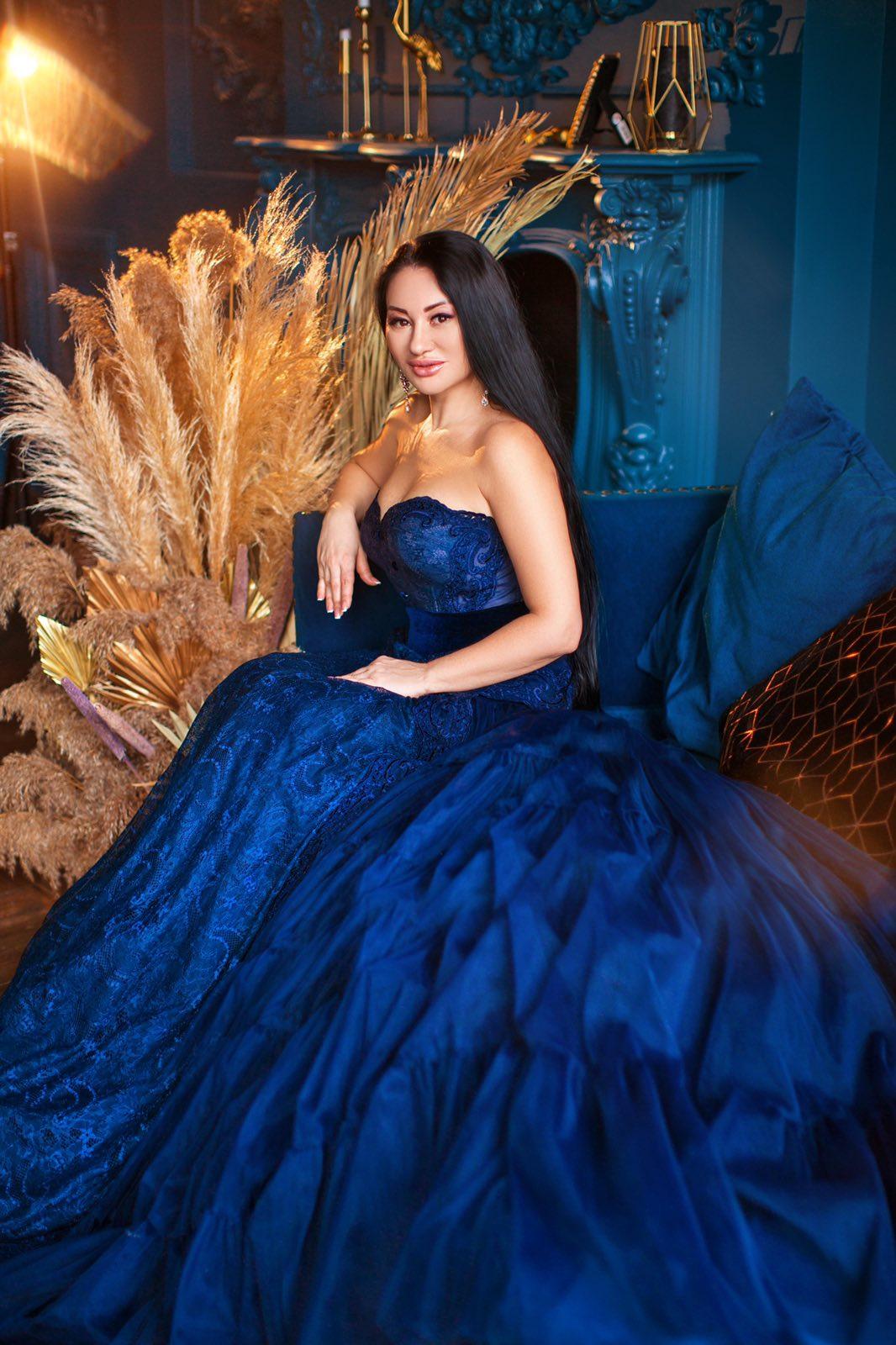 классическое платье на бал прокат киев