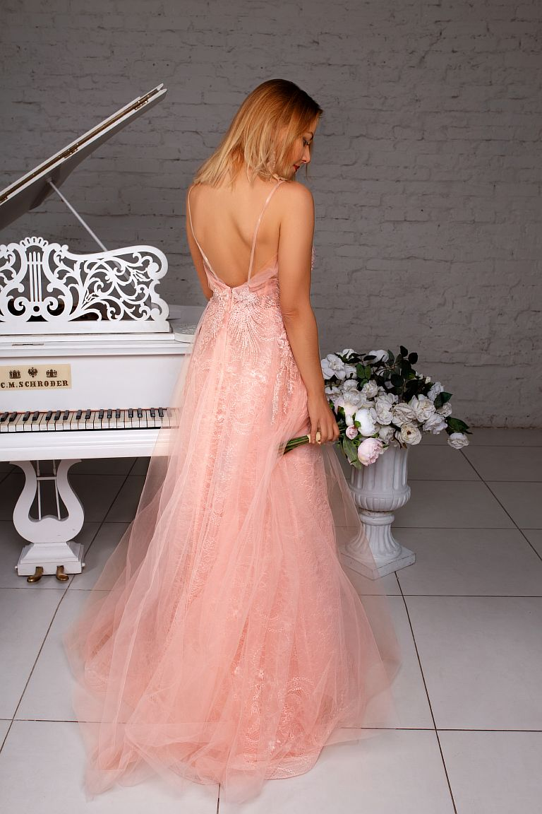 пудровое платье прокат киев