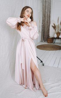 Пудровое платье в пол с рукавами для фотосессии в киеве