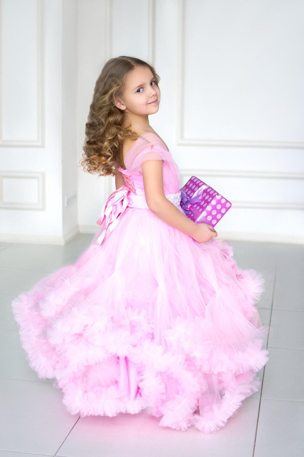 Детское платье розовое пышное