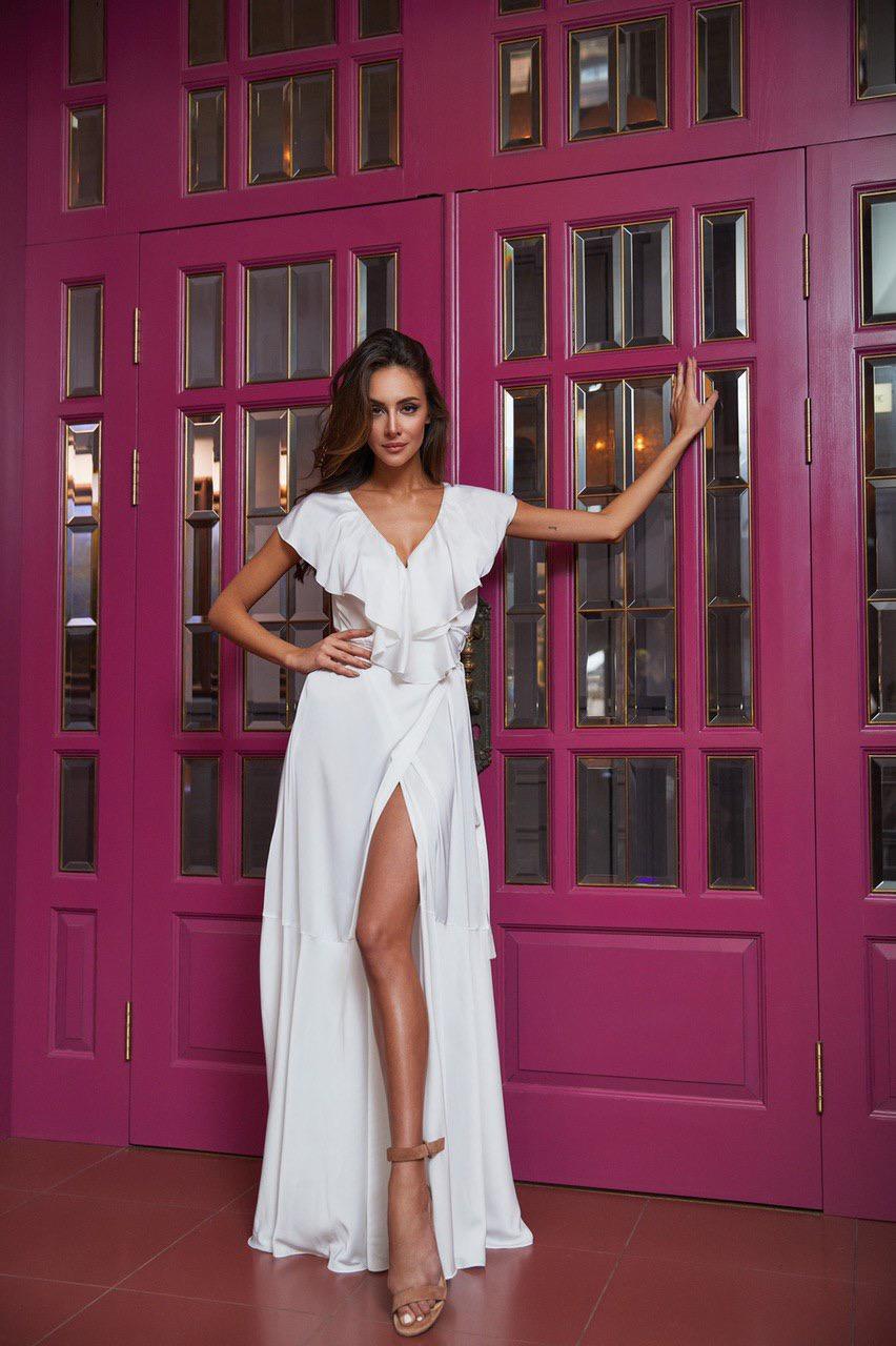 Простое белое платье с разрезом киев прокат купить