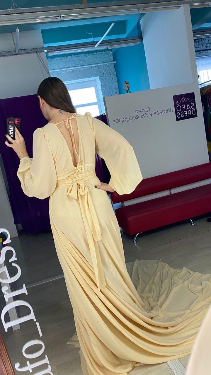Бежевое платье со шлейфом киев