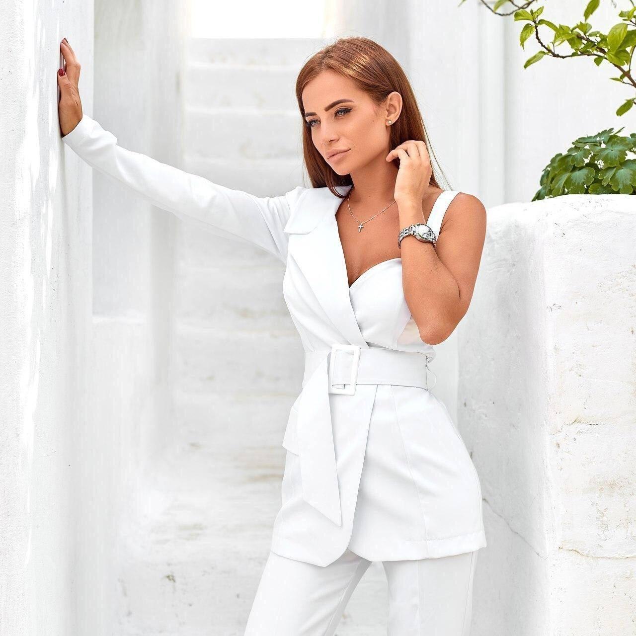 белый брючный костюм аренда киев