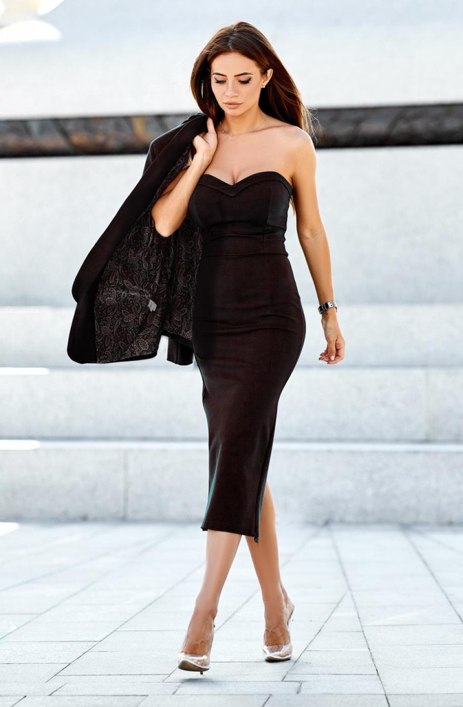 чёрное платье миди по фигуре