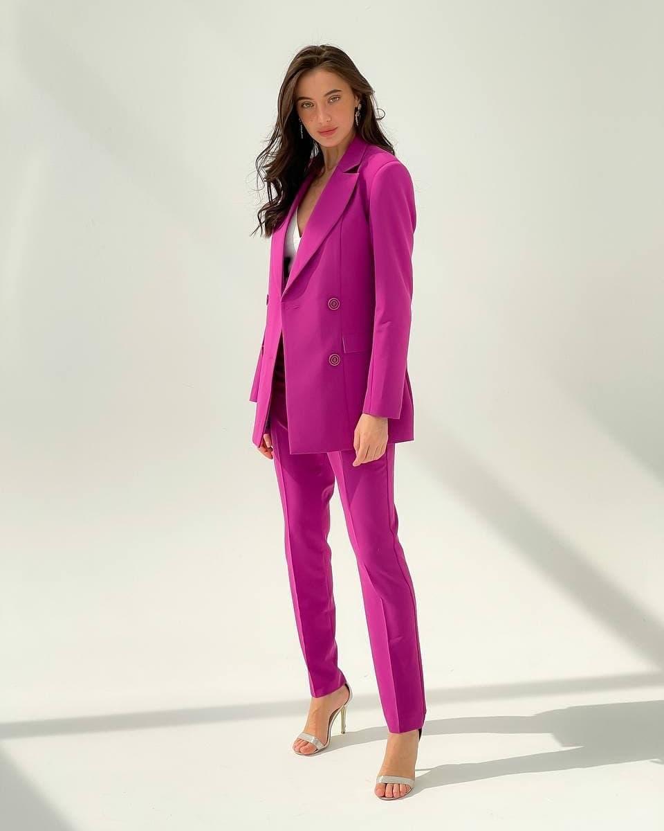фиолетовый брючный женский костюм прокат киев